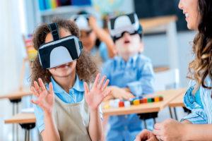Tecnologia de ponta nas escolas atuais.