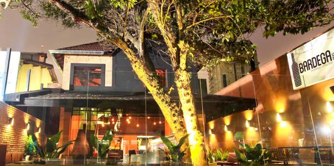Happy Hour: fachada do Bardega