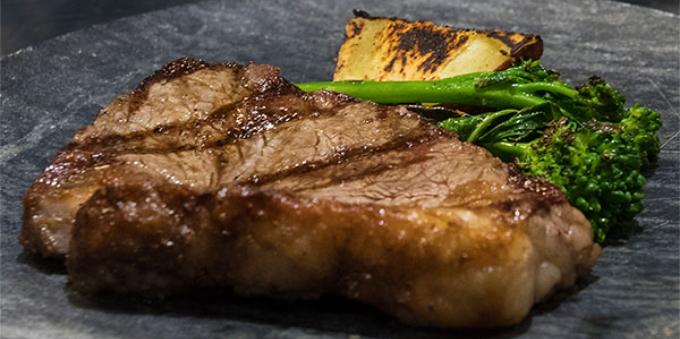 Carne maturada do restaurante Cór, de Alto de Pinheiros