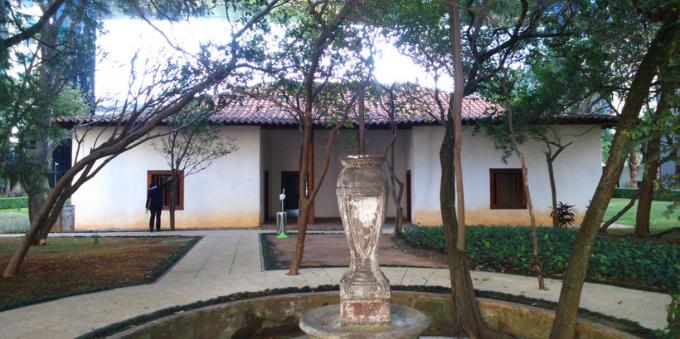 Fachada da Casa Bandeirista, no Itaim Bibi