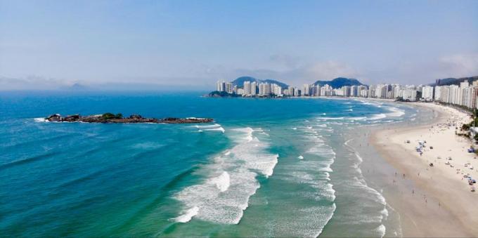 Praia de Pitangueiras, no Guarujá, Litoral Norte