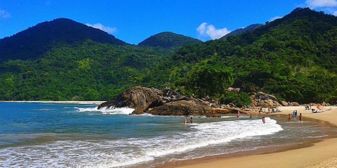 Praia do Meio em Paraty
