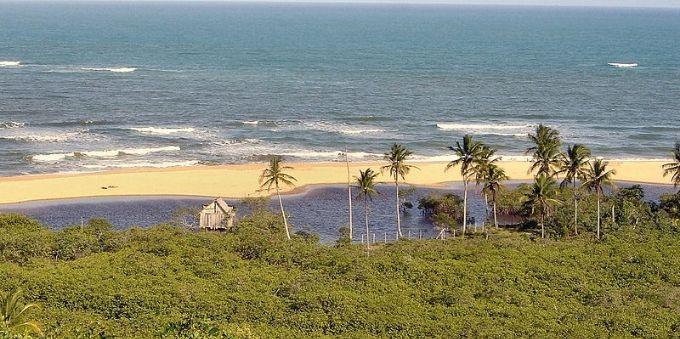 Litoral sul da Bahia: vista do mar da Praia dos Nativos